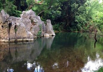 Khám phá Thung lũng sinh tồn - Hang Thủy Cung