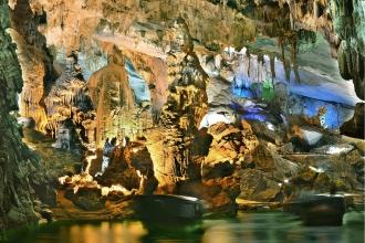 Đồng Hới - động Phong Nha - Vườn thực Vật - đỉnh núi U Bò